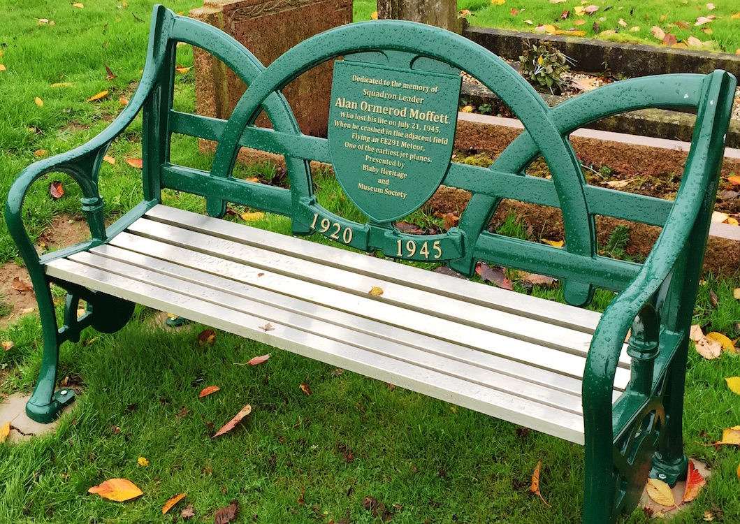 unique memorial benches leicestershire