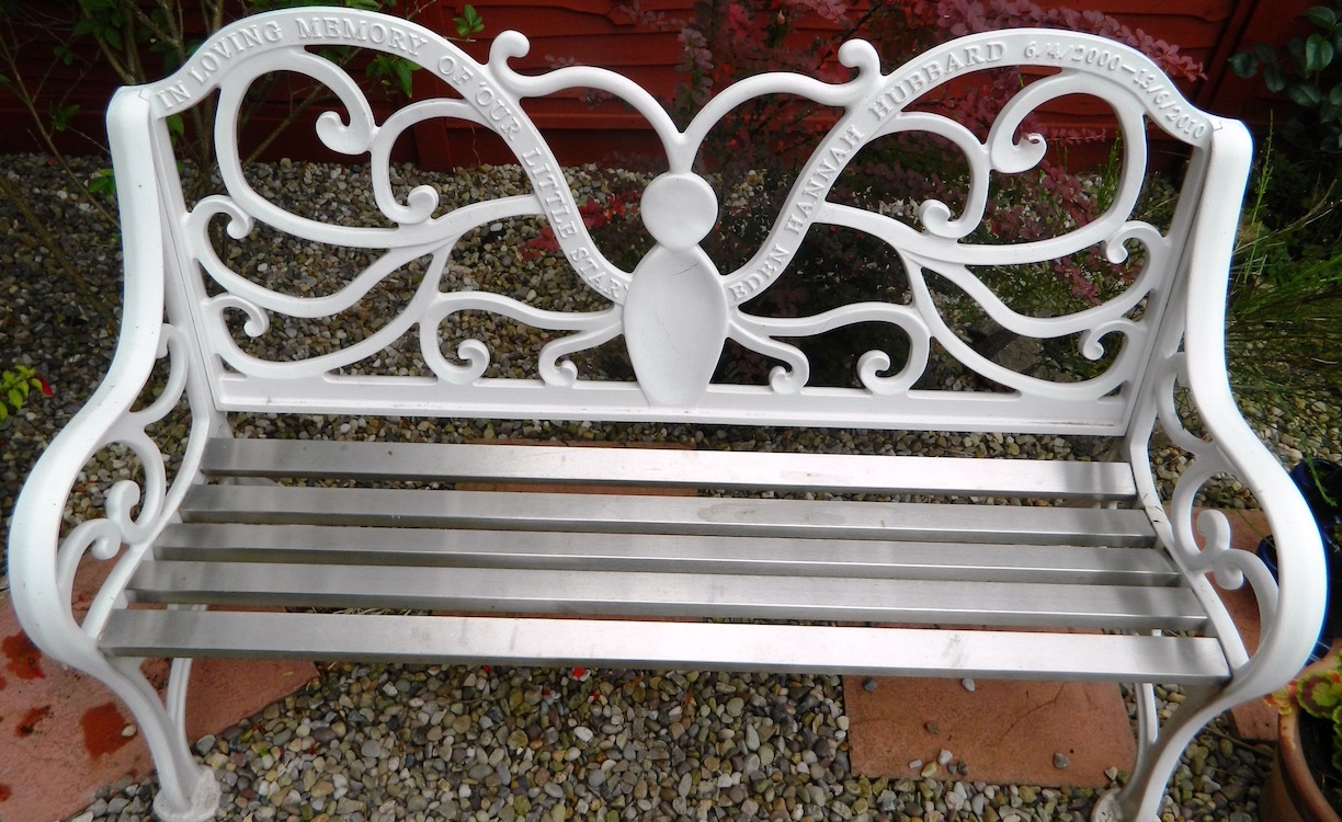 commemorative benches leicestershire